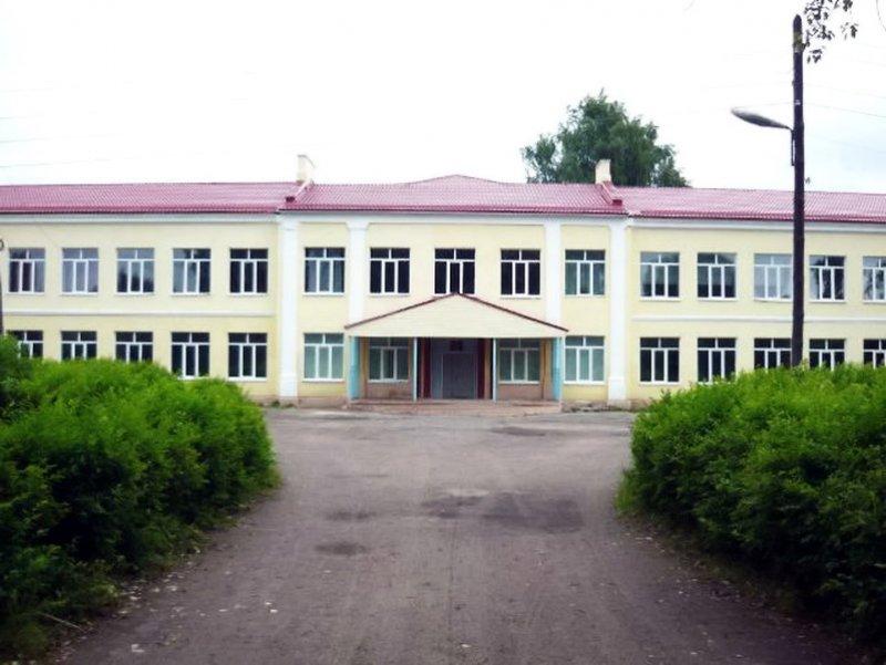 Вочередной заволжской школе обвалился потолок